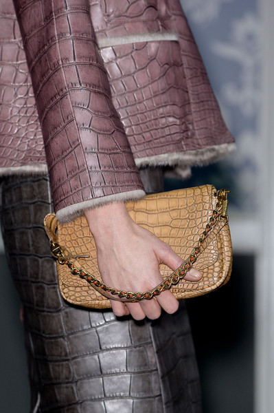 http://www2.pictures.stylebistro.com/it/Louis+Vuitton+Fall+2013+Details+WsQyjCzu-H5l.jpg
