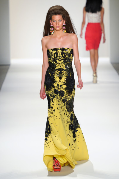 Naeem Khan at New York Spring 2011