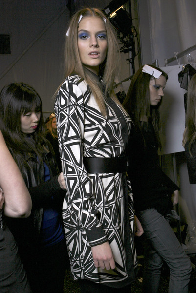 Nicole Miller Fall 2009 - Backstage