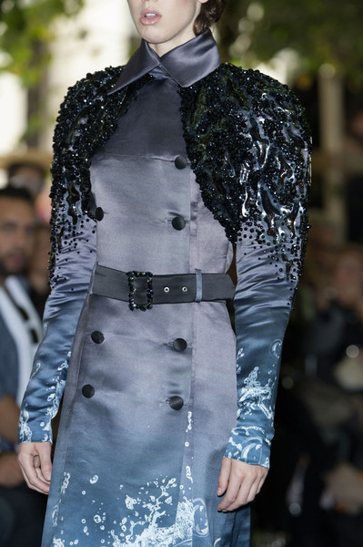On Aura Tout Vu at Couture Fall 2014 (Details)