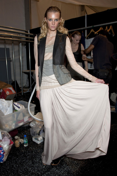 Richard Chai Love Spring 2011 - Backstage