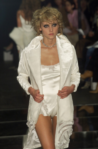 Richard Tyler Fall 2001