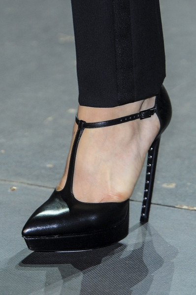 Saint Laurent Spring 2013 - Details