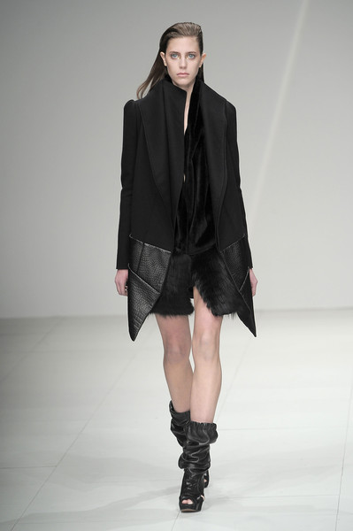 Sharon Wauchob Fall 2010
