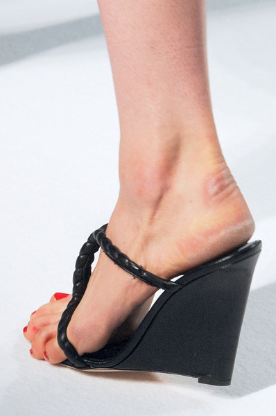 Sharon Wauchob at Paris Spring 2011 (Details)