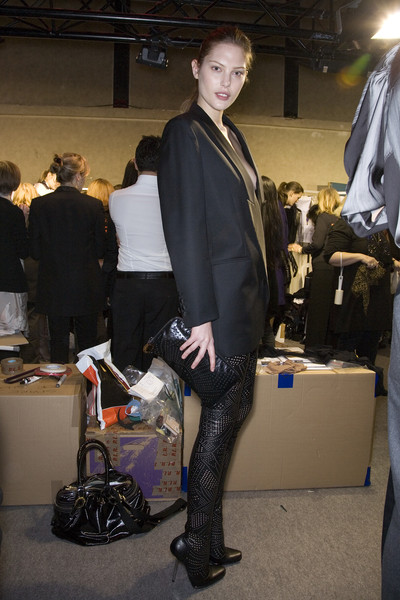 Stella McCartney Fall 2009 - Backstage