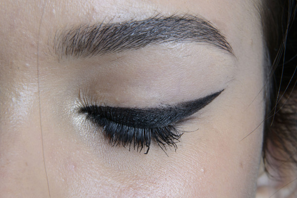 Four Steps to a Sexy, Smudgy Cat Eye (From Pro Mally Roncal!)
