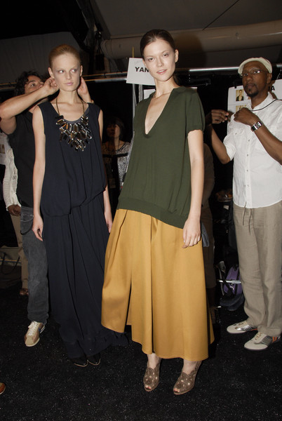 Vera Wang at New York Spring 2008 (Backstage)