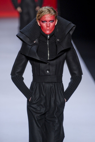 Viktor & Rolf at Paris Fall 2011