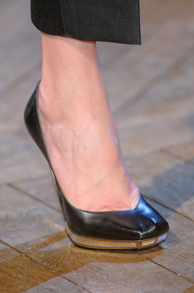 Yves Saint Laurent Fall 2012 - Details