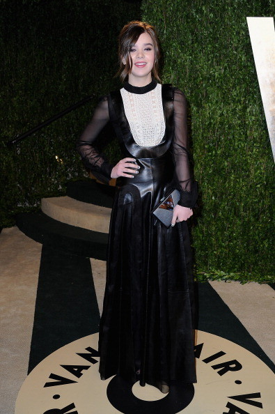 Hailee Steinfeld Wore Valentino at the Vanity Fair Oscars Party 2013