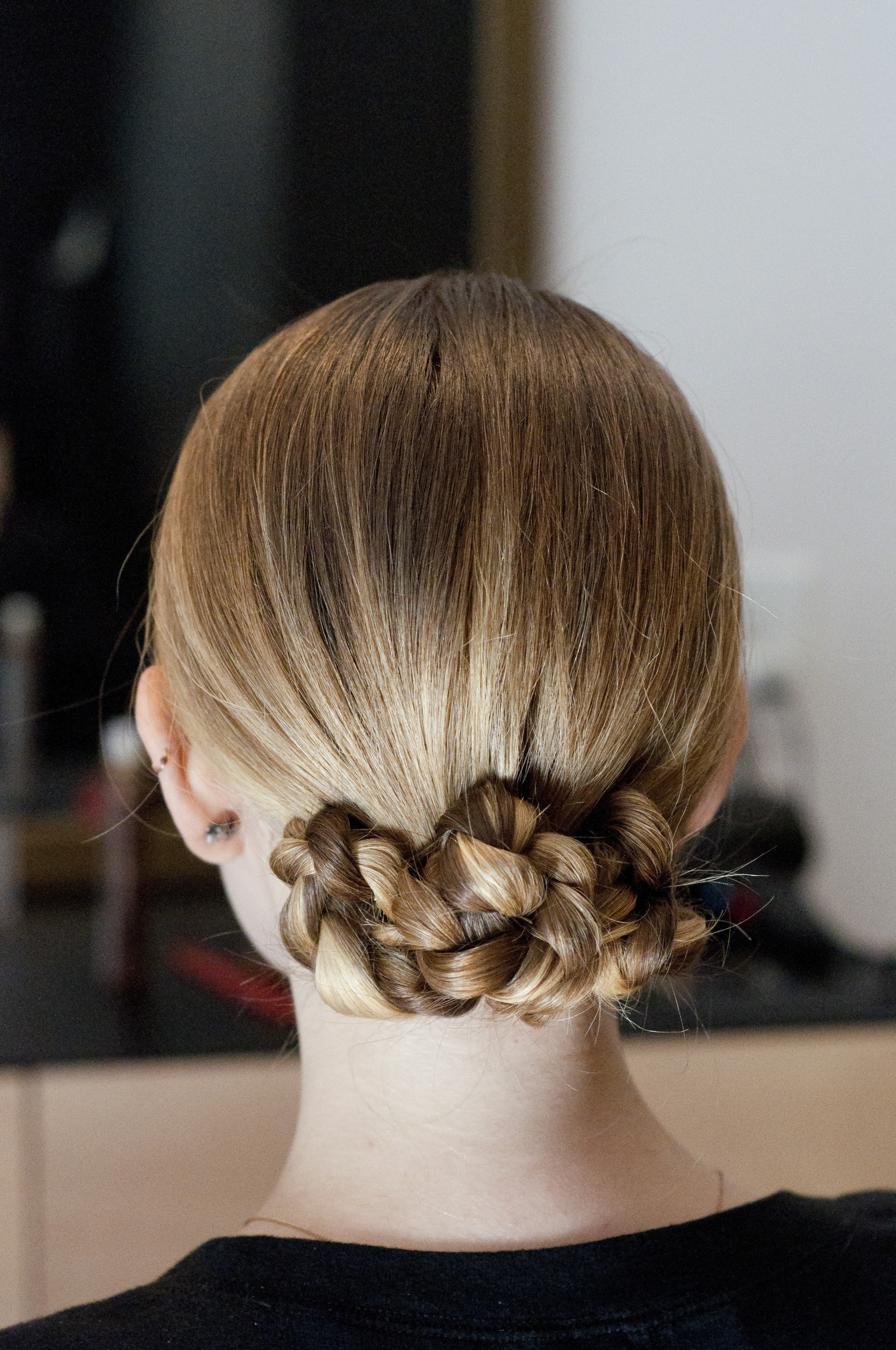 No-Heat Holiday Party 'Do: The Super Sleek Twisted Bun