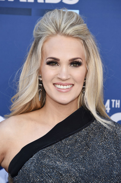 Every Must-See Look From The 2019 Academy Of Country Music Awards