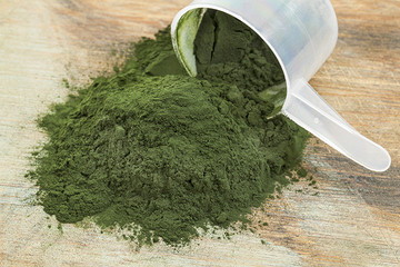 Health Foods 101: Spirulina