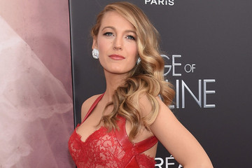 Look of the Day, April 20th: Blake Lively's Red Moment