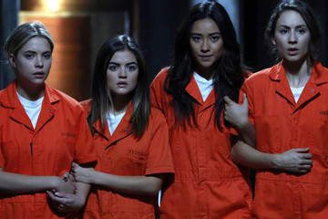'Pretty Little Liars' Suit Up in Orange for Tonight's Season Finale