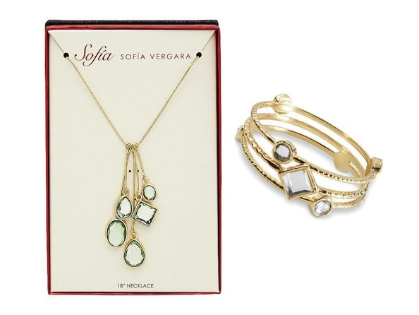 Jewelry Like Sofia Vergara's on 'Modern Family'