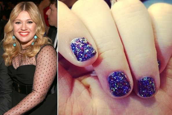 Kelly Clarkson's Nail Art at the 2013 Grammy Awards
