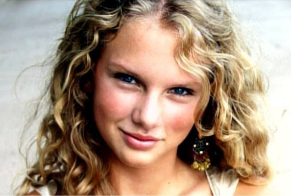 Happy Birthday Taylor Swift Here Is Your Hair Stylebistro