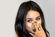 How to Layer Your Jewelry Like a Celebrity