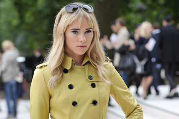 Suki Waterhouse's 10 Coolest Looks to Date