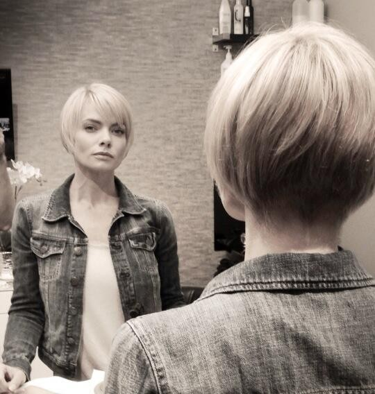 Jaime Pressly Cut Off All Her Hair - See Her Dramatic Transformation!