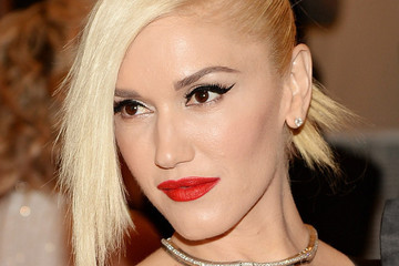 Gwen Stefani's Fancy New Nail App, Stephanie Seymour Teams Up With Estee Lauder, and More