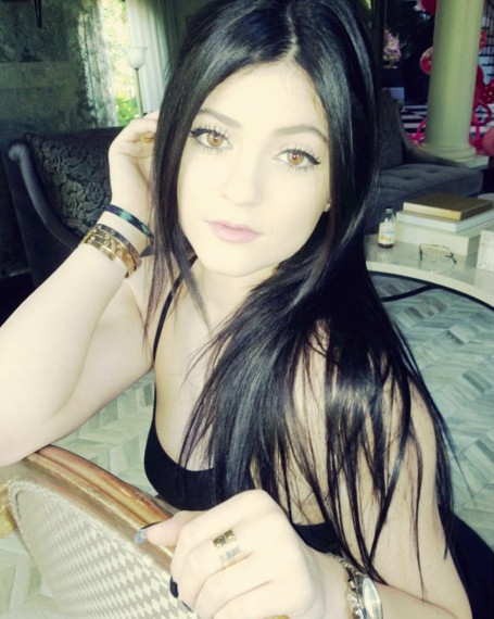 Kylie Jenner Got a Dramatic Hair Makeover - Come See!