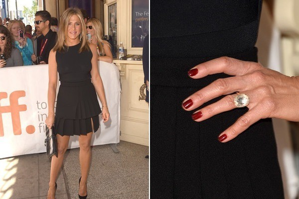 Jennifer Aniston's Classic Red