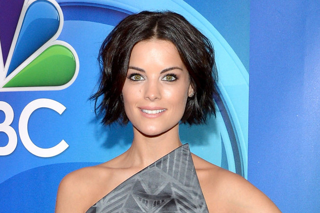 Celeb Short Hairstyles That\'ll Make You Want to Chop Off Your ...