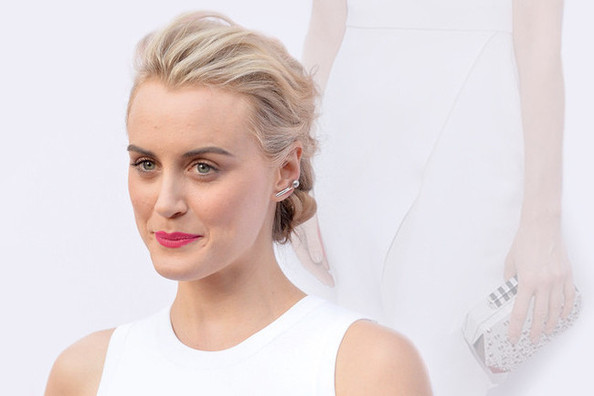 Taylor Schilling Shows Us How to Wear Summer Whites