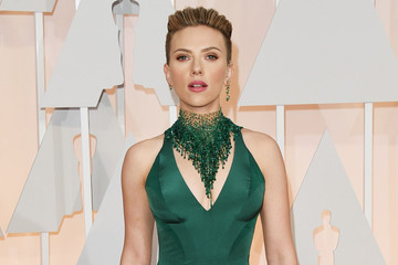 Serious Statement Necklaces Seen at the Oscars