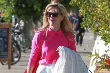 Reese Witherspoon's Fresh, Feminine Ensemble