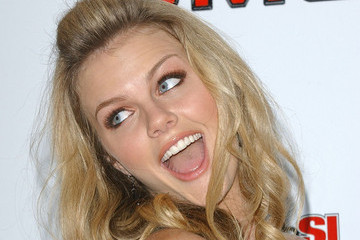Brooklyn Decker's Fashion and Beauty Missteps