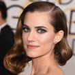 Allison Williams' Retro Curls and Midnight Smoky Eyes