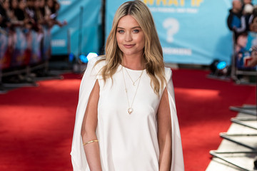 Laura Whitmore's Bold Shoulder