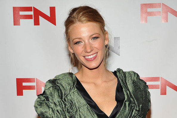Blake Lively to Play Carrie Bradshaw?