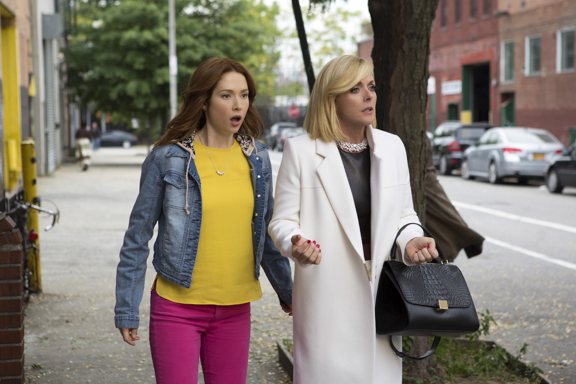 Comediennes Ellie Kemper and Jane Krakowski Trade Network for Netflix