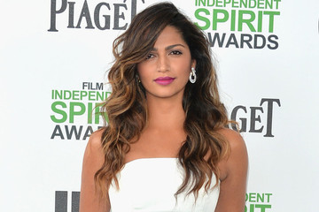Hair DIY: Hollywood Curls Courtesy Of Camila Alves