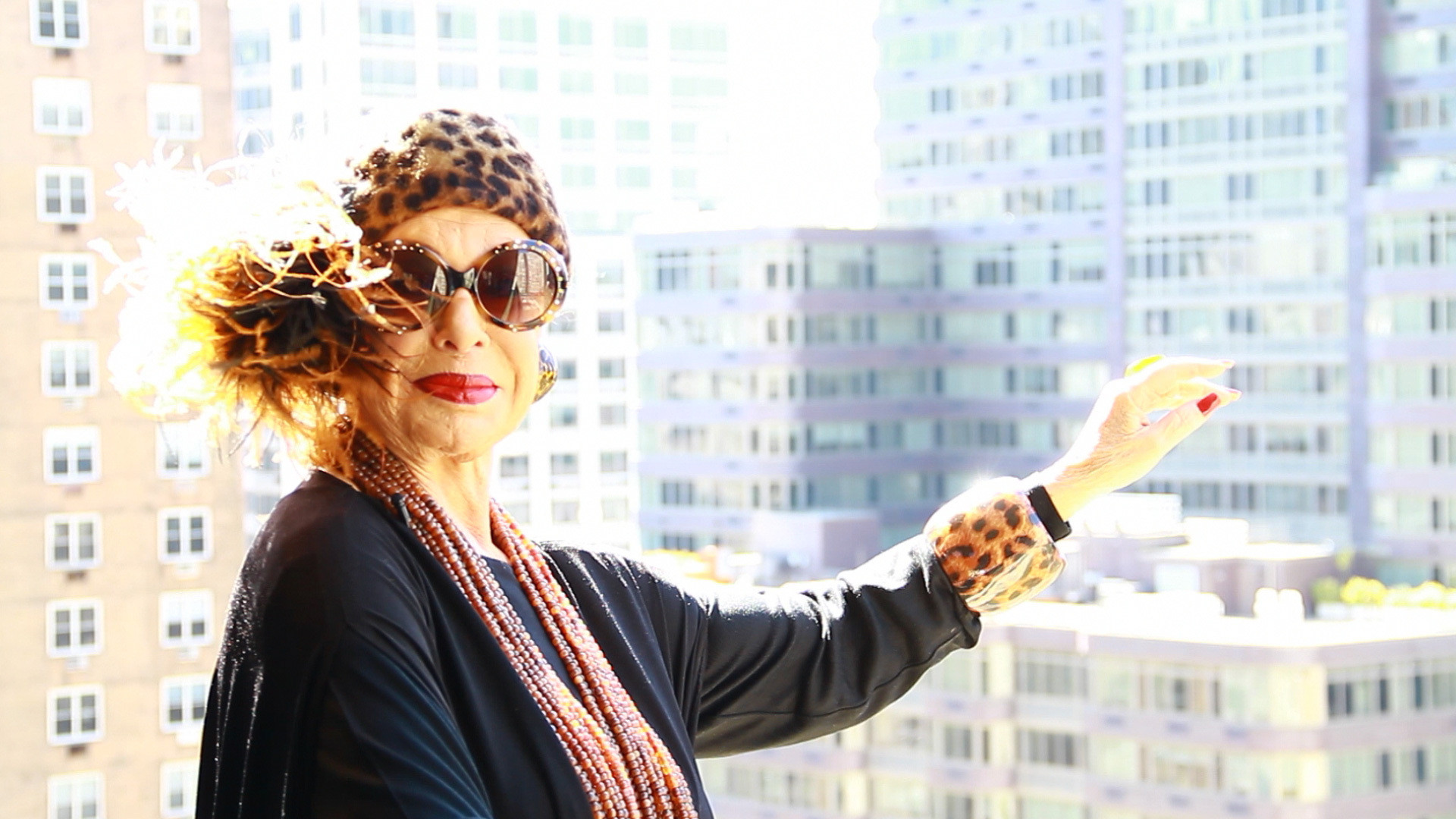 Lynn Dell in Advanced Style; Source: Ari Seth Cohen, New York City