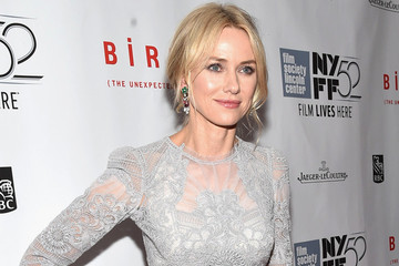 Naomi Watts's Delicate Lace Gown