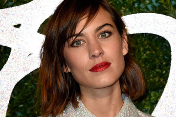 Alexa Chung's Latest Look, One Direction Ups Their Beauty Game and More