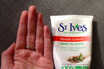 Post Workout Necessity: St. Ives Blemish Control Green Tea Scrub