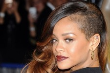 Rihanna Taps Erin Wasson for Reality Show, Tommy Hilfiger Teams Up with Miss Piggy, and More!