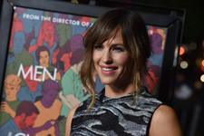 Jennifer Garner Sparkles on the Red Carpet