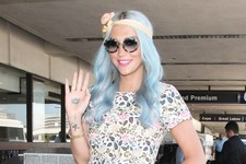 Kesha's Got Flower Power