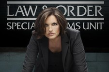 Allow Olivia Benson to Teach You How to Be a Badass in 7 GIFs