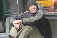 Richard Gere Poses as a Homeless Man and Goes Completely Unnoticed