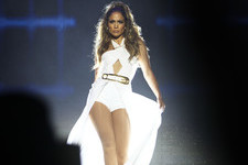 Jennifer Lopez Belts It Out in Singapore