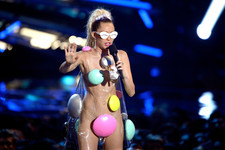 See All of Miley Cyrus' Best Moments from the 2015 VMAs